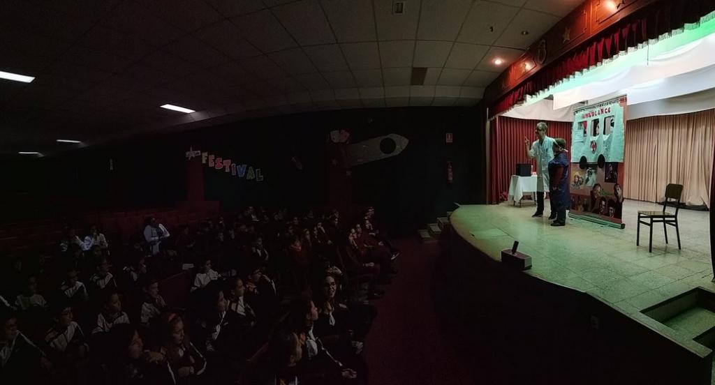 Primaria: Teatro en Inglés: «Dr. Jeckyll, don't Hyde».