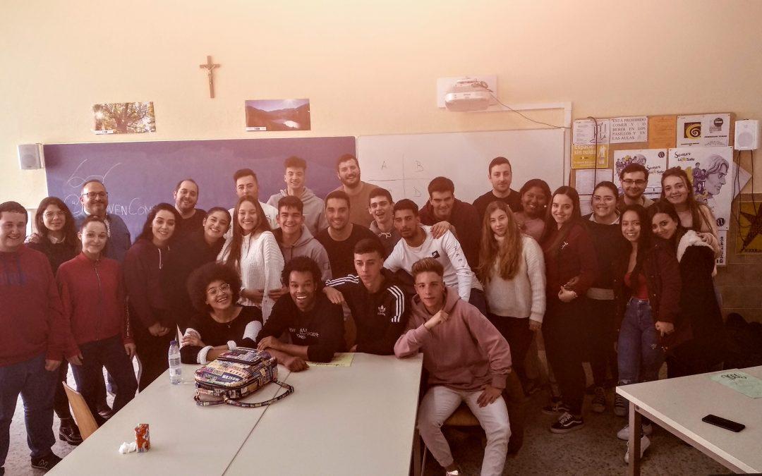 EL GRUPO DE TEATRO «LA JOVEN COMPAÑÍA» VISITA 1º DE ADMINISTRACIÓN Y FINANZAS